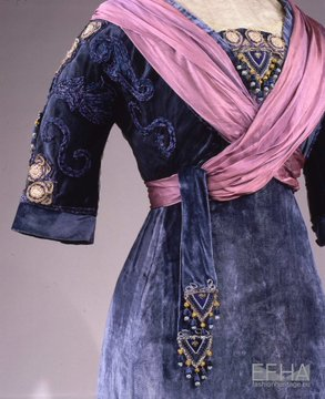 Photo: a purple velvet and chiffon gown from the early 1900s