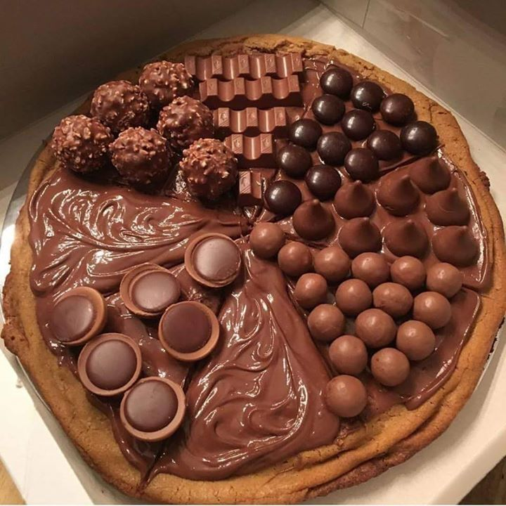 Photograph: chocolate pizza