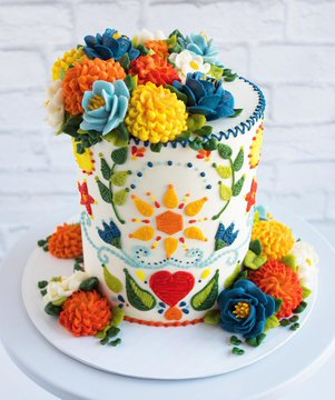 Photo: a confection by cake artist Leslie Vigil