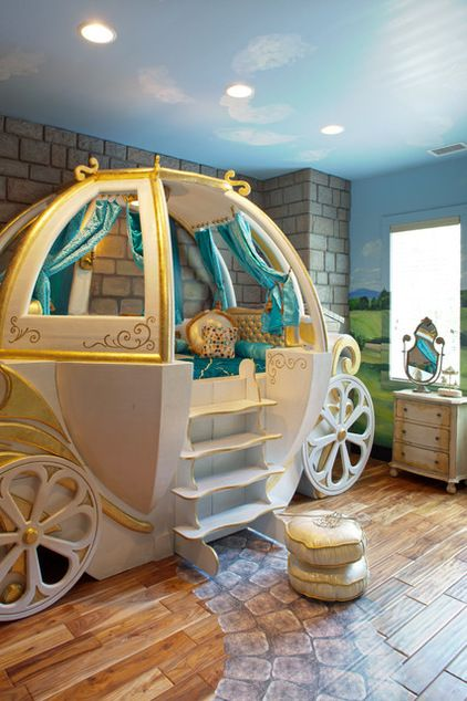 Photograph: an enchanting Cinderella-inspired bed